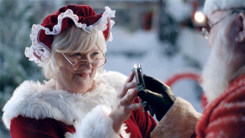 Samsung Santa 2013 commercial. sexy