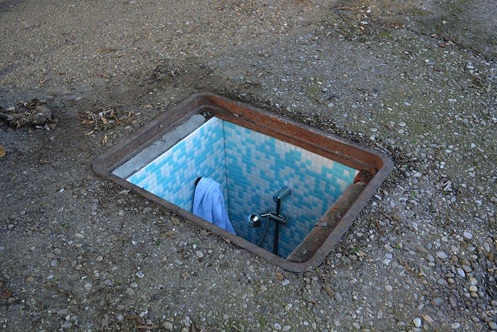 manhole-apartment-2